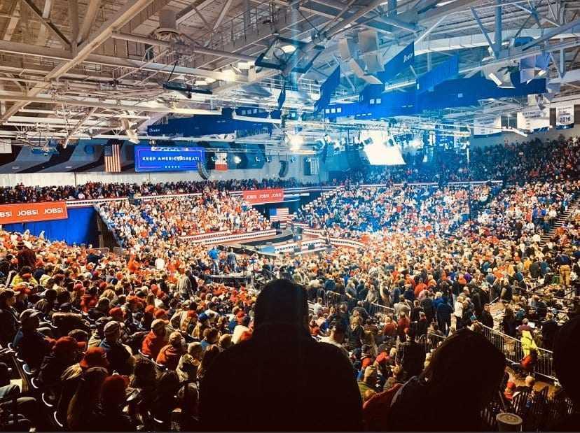 Huge New Hampshire Crowd
