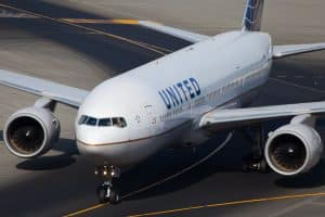 United Airlines Employees Sue Over 'Pattern of Discrimination' Denying Vaccine Exemptions